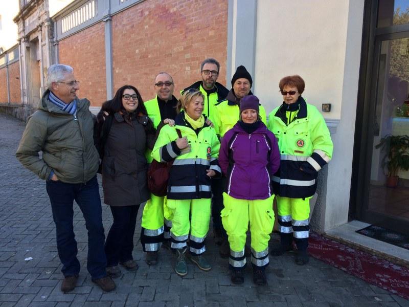 Volontari e funzionari dell'Agenzia a Caldarola e San Severino Marche - 1