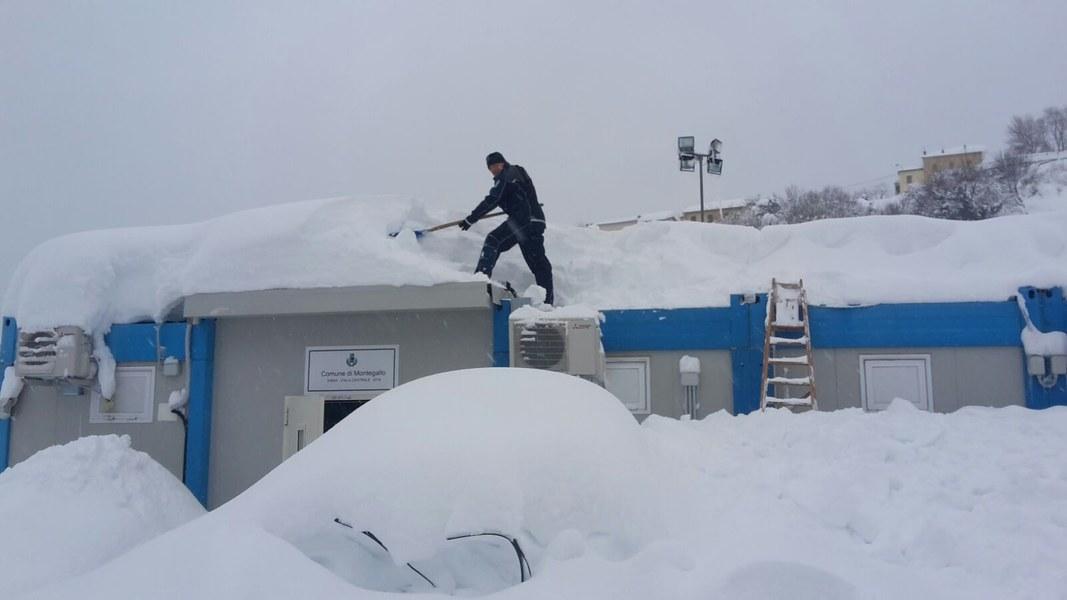Emergenza neve nelle zone terremotate - 9/10