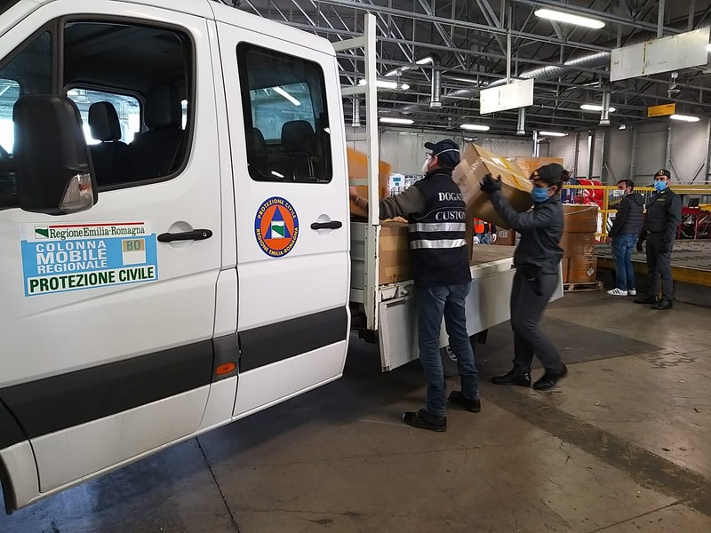 Requisizione di dispositivi medici e consegna all'Agenzia regionale di protezione civile 20