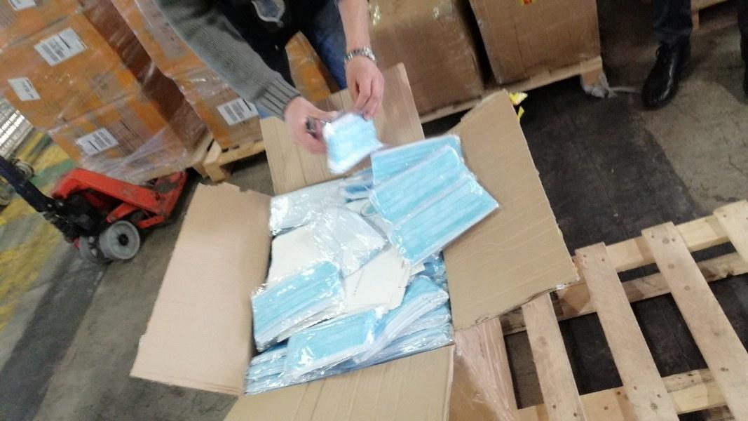 Requisizione di dispositivi medici e consegna all'Agenzia regionale di protezione civile 4