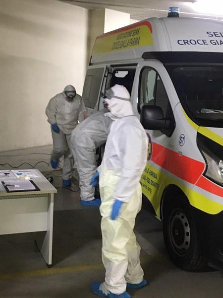 Volontari Parma, sanificazione ambulanze_1.JPG