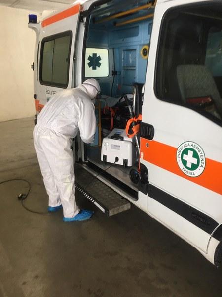Volontari Parma, sanificazione ambulanze_2.JPG
