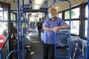 Coronavirus, persone in bus, mascherine, autobus