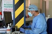 Coronavirus, medico, infermiere, accettazione, mascherina
