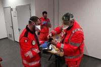 Operatori con DPI al lavoro per coronavirus