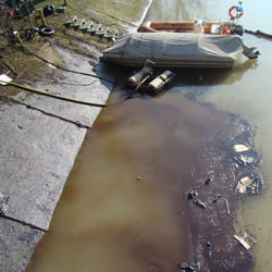 sversamento di idrocarburi nel Lambro e nel Po