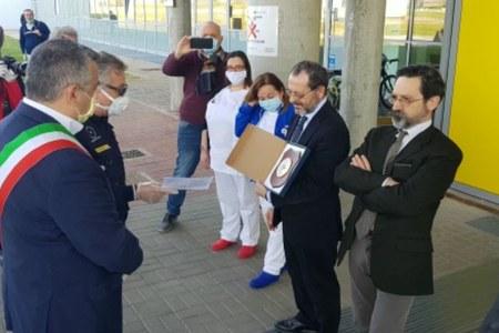 Flash mob dei volontari di protezione civile a Ferrara
